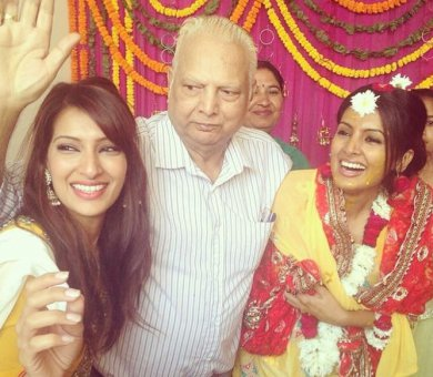 Geeta Basra father familt photos
