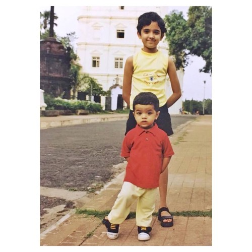 shirley setia childhood pic with her brother
